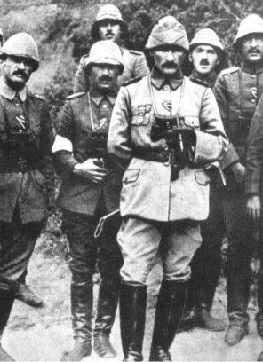 Çanakkale Savaşında Mustafa Kemal Atatürk